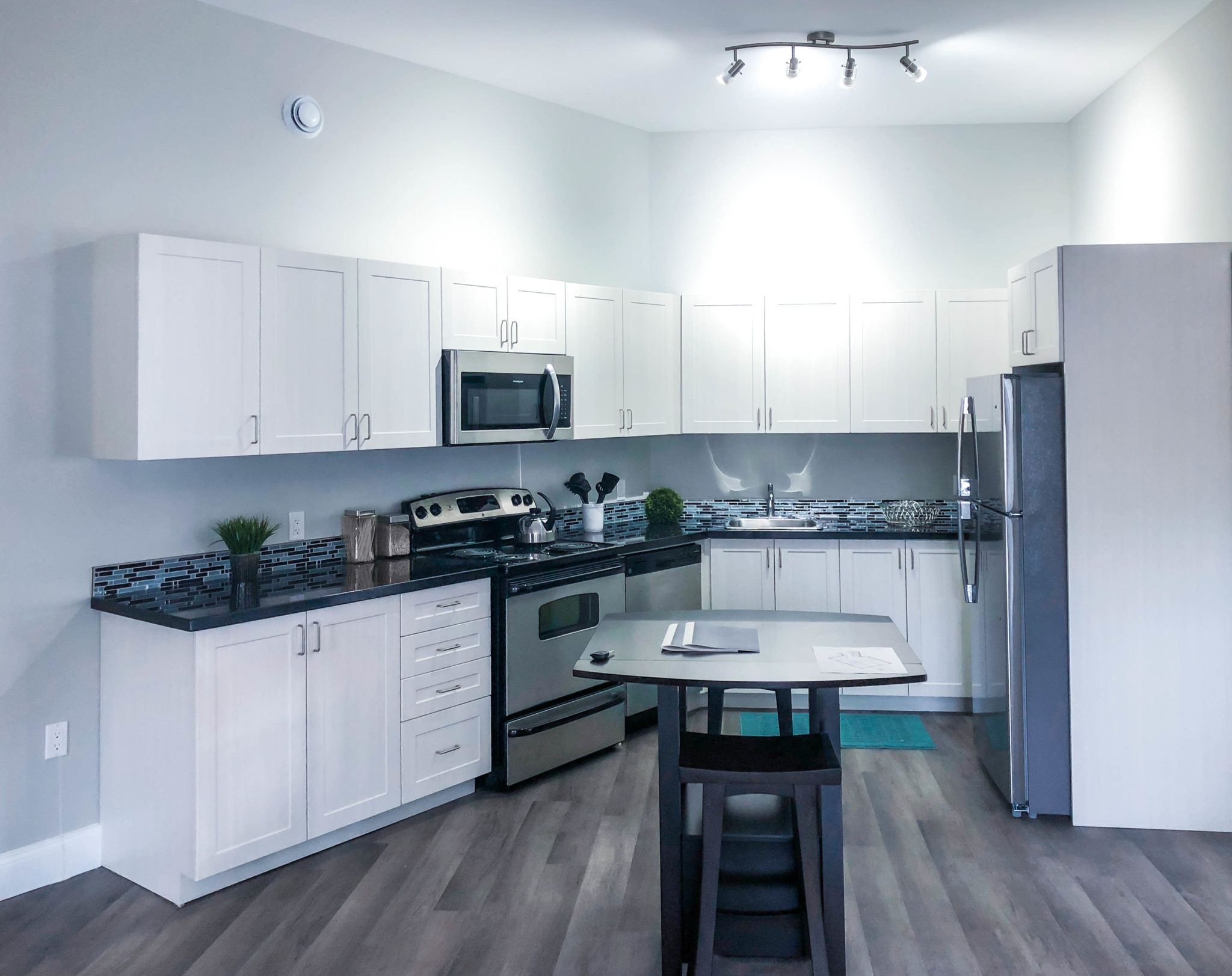 6Thirty-Model-Suite-Kitchen2